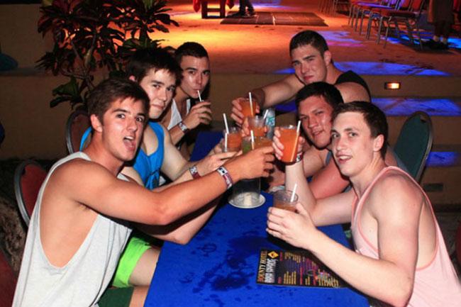 Bali Schoolies 2