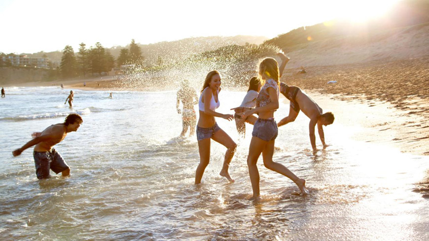 Surf-safety-at-schoolies