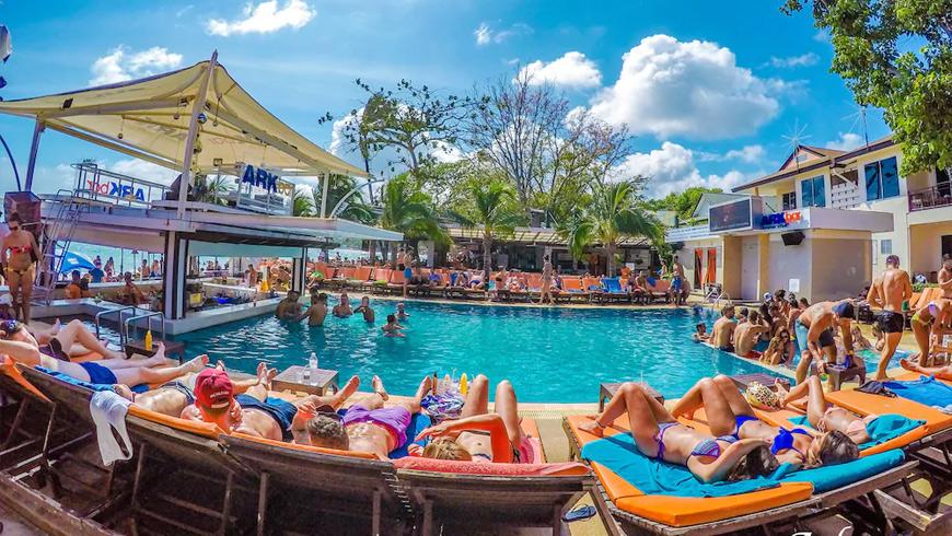 ARK-Bar-Beach-Resort2