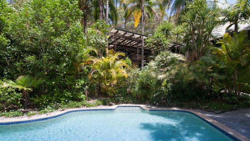 Best-Rated-Schoolies-accommodation-Avoca-Beach-Hotel-&-Resort